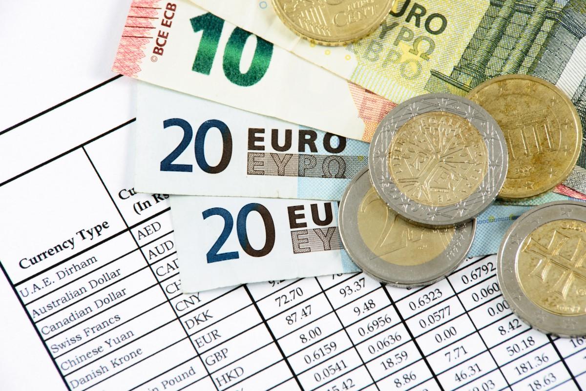 Así controla Hacienda los movimientos bancarios y en efectivo de los autónomos